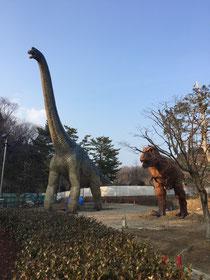 岡崎市東公園恐竜モニュメント