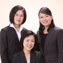 上段:左から中村薫、柳澤美由紀 下段中央:竹下さくら