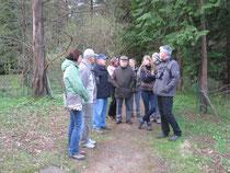 Teilnehmer im Forstbotan. Garten (Foto: E.Wawrzyniak)