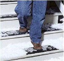 雪階段滑らない  ばりばり君