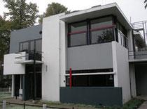 Rietveld Shroeder Maison inspirée de De Stilj