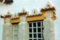 Les gardiennes de la maison-musée de Raymond Reynaud