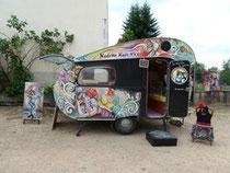 """une des caravanes des """"pas sages"""" participant au festival"""