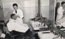 Ludwig Weis als Geselle bei Friseur Föckerer um 1950