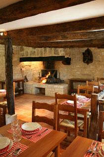 L'auberge du Mas d'Aspech - un restaurant cusine traditionelle avec produits du terroir local