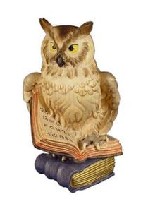 Bild Eule auf Buch Nr. 1043 aus Ahornholz geschnitzt