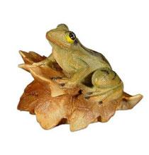 Bild Frosch auf Blatt Nr. 1050 aus Ahornholz geschnitzt