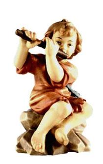 Bild Krippenfigur Joshua Bub sitzend mti Flöte aus Ahornholz geschnitzt