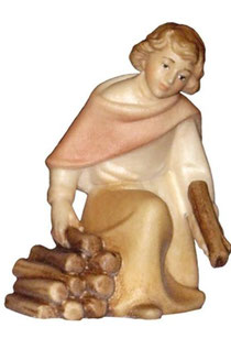 Bild Krippenfigur Mirja Hirt kniend am Lagerfeuer aus Ahornholz geschnitzt