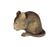 Bild Maus bückend Nr. 1085 aus Ahornholz geschnitzt