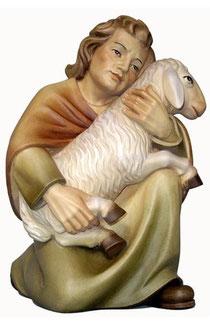Bild Krippenfigur Mirja Hirt mit Schaf auf Knie aus Ahornholz geschnitzt