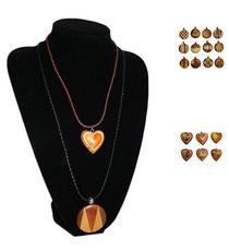 Bild Halskette mit Rundmotiv oder Herz aus Holz
