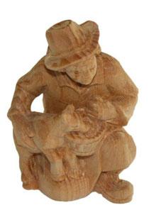 Bild Krippenfigur Hirt kniend mit Ziege handgeschnitzt aus Zirbenholz