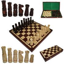 Bild Schach handgeschnitzt aus Holz