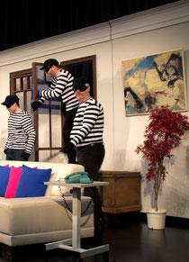 """Drei Einbrecher sind zwei zu viel: Szene aus """"Der nackte Wahnsinn"""""""