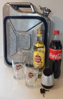 Havana Club Kanisterbar mit Licht und Bluetooth-Box, abschließbar 🔐 (mit Ersatzschlüssel), befüllt mit dem Havana Club Rum, Coca-Cola und zwei Originalgläsern