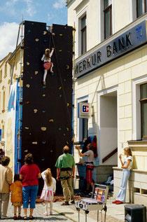 Kletterturm auf dem Stadtfest in Markneukirchen