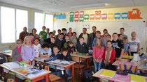 La délégation roumaine de Tara Oltului, visite la classe de Frédéric Noysette