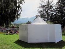 Dans la tente, maisons et villes imaginées...