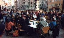 Diskussions-Runde am Marienplatz