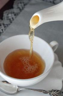 まずは、紅茶選びから