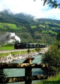 Dampflok in Fahrt Richtung Krimml