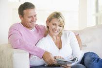 Der Abruf des Implantat-Ratgebers ist kostenlos und verpflichtet Sie zu nichts! (© Monkey Business - Fotolia.com)