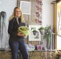 Freut sich auf die Neueröffnung am Samstag: Floristin Linda Bon vom Bad Ragazer Bluamahüsli