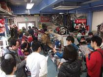 スタート前の作戦会議(photo by OSJ湘南クラブハウス)