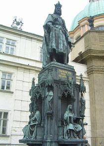 Karlsstatue in Prag