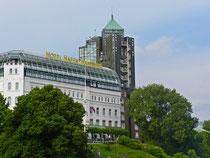 Hotel Hafen Hamburg; Quelle: URSfoto/pixelio.de