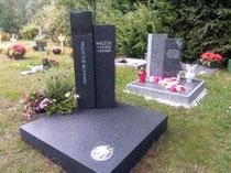 Urnenanlagen mit Denkmal