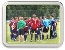 Foto - Mannschaft und Trainer vor Spielbeginn