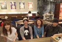 左から堀越和子、山田稔明、高橋結子、須藤俊明