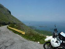 Meer und Berge in Montenegro.