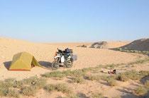 Schlafplatz in der syrieschen Wüste