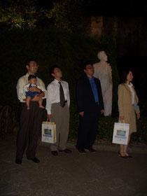 グラバー像と。左から僕、矢野先生、山根先生、小川先生。