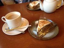美味しいコーヒーとケーキセット