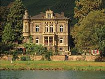 Villa Thanisch, Sitz des Weingutes seit 1884