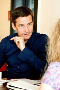 Frank H. Sauer im Interview in Köln