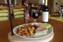 """Argagnon, restaurant """"La Bulle"""", assiette de pays"""