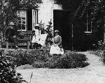 Alfred and Cecily Sidgwick outside 'Trewoofe Orchard'