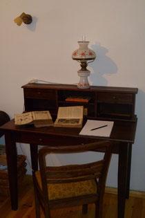 Sekretär in der Bibliothek