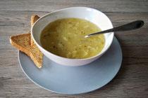 Einfache vegane Zwiebelsuppe
