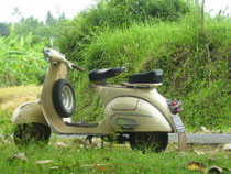 Vespa 150 light brown