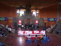 Blick auf die Bühne - hier bei einem Band-Contest mit Jury