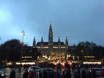 Christkindlmarkt beim Rathaus