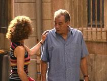 Roland pose un ultimatum à Mirta : il veut vieillir avec elle au grand jour, sinon il préfère encore la quitter...