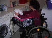 Bild: Rollstuhl im Haushalt