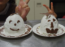 親子で作ったオバケケーキ